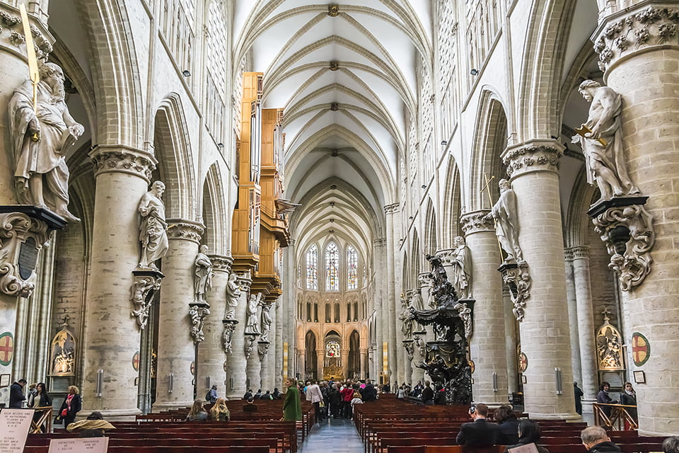 interno Cattedrale di San Michele e Santa Gudula a
